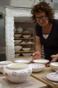 infornata di ceramiche artistiche di Faenza