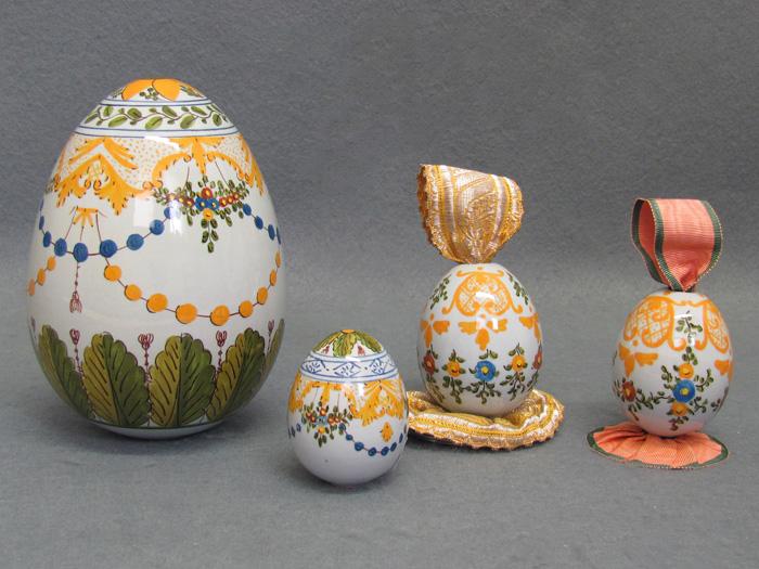 Uova pasquali decorate in ceramica artistica la vecchia - Uova di pasqua decorati a mano ...