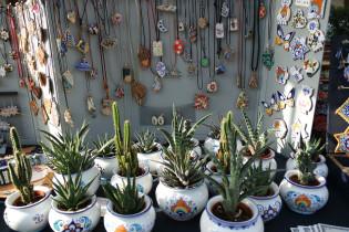 Ciondoli e vasetti in ceramica di Faenza (Argilla Aubagne)