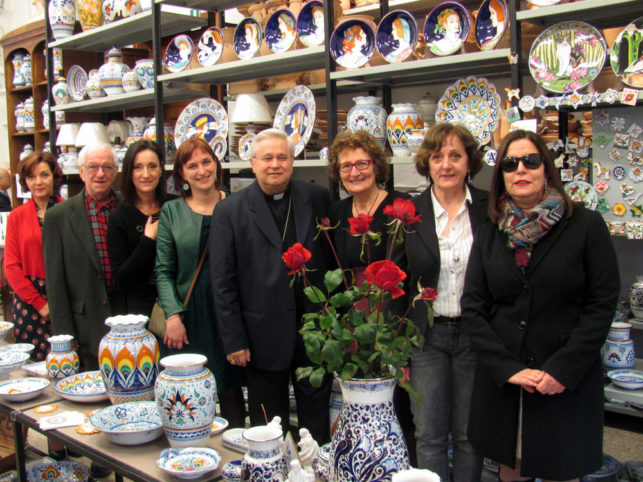 lo staff de La Vecchia Faenza con il vescovo di Faenza-Modigliana s. ecc. mons. Mario Toso