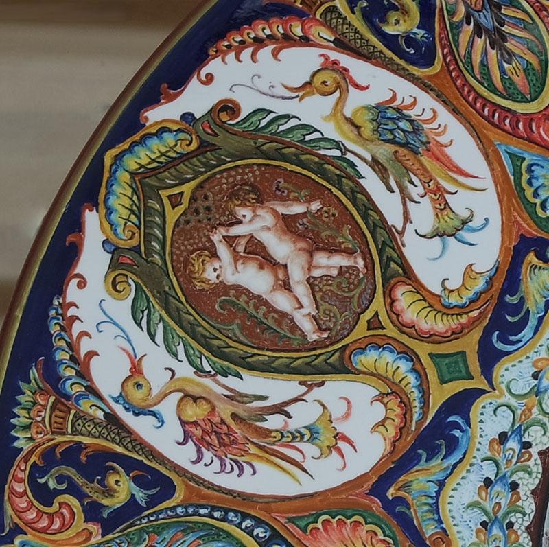 esempio di Decorazione alla raffaellesca, ceramiche di Faenza