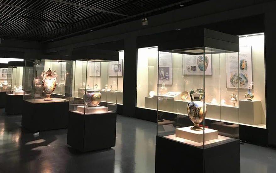 una sala del Museo Internazionale delle Ceramiche di Faenza (MIC)